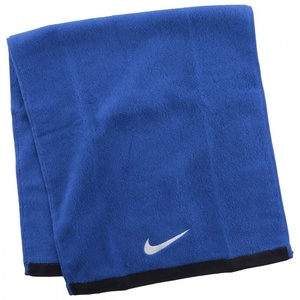 To wel Nike Temeljna brisača M Royal, Nike